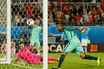 Portugal beats Croatia with 117th-minute goal to advance to EURO2016 quarters.