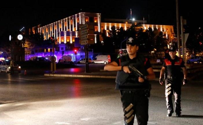 Military coup under way in Turkey as President Erdoğan tries to assert control