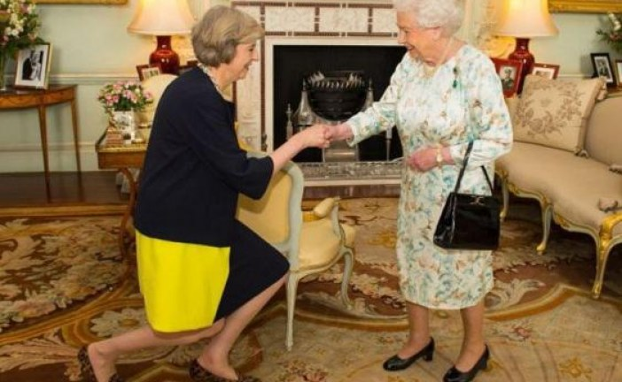 Theresa May officially becomes UK Prime Minister