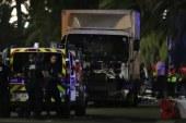 Un camion fonce sur la foule à Nice, plusieurs dizaines de morts