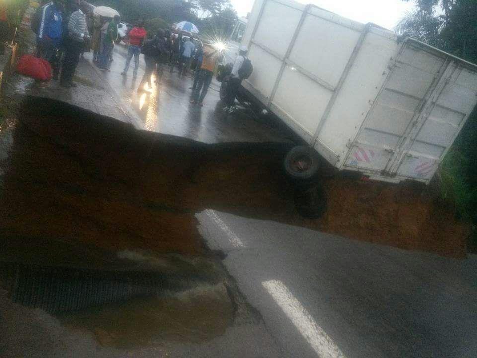 Cameroun: Route Yaoundé Douala coupée en deux au lieu dit Matomb