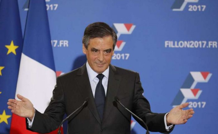 Conservative Francois Fillon wins big in French Republican presidential primaries