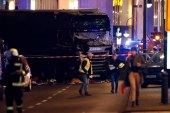 Berlin: at least nine dead after truck crashes into Christmas market