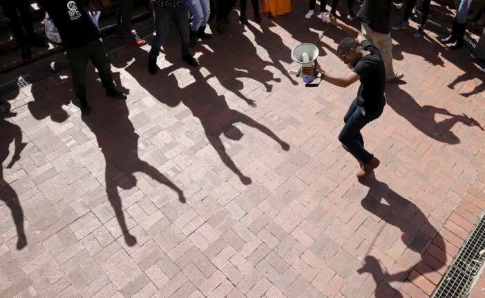 Can South Africans be friends across 'racial' boundaries? Yes and no.