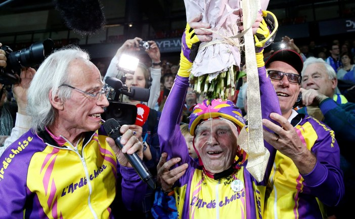 105-year-old man cycles more than 14 miles in an hour