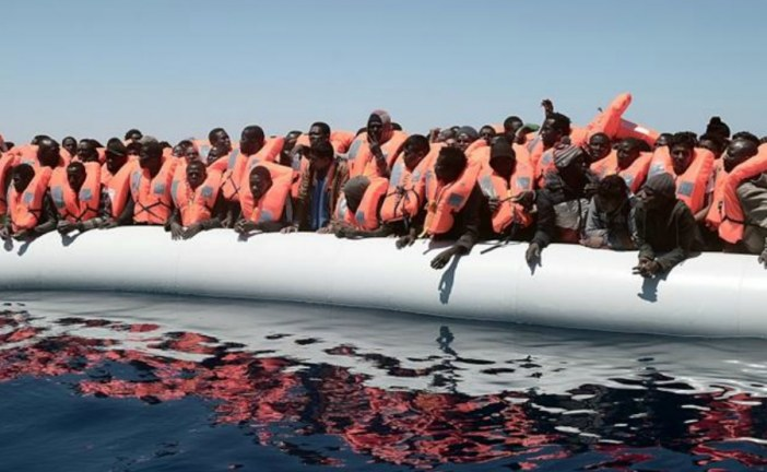 1,000 asylum seekers stranded in the Mediterranean