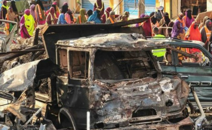 165 unidentified bodies buried from Somalia blast