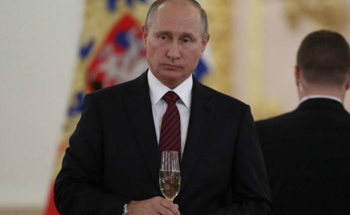 Putin urges tough action against online extremism
