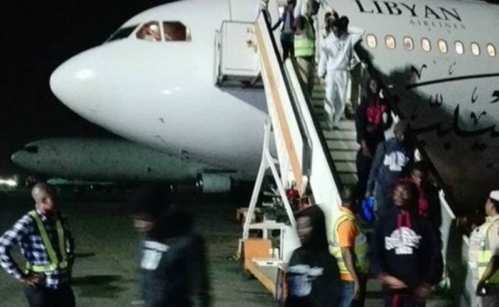 Nigeria to fly home stranded migrants from Libya