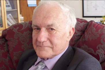 Zimbabwe honours white ex-minister Timothy Stamps following his death