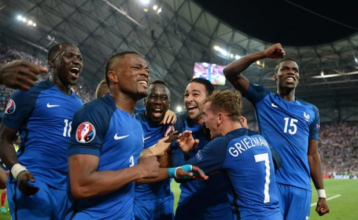 Euro 2016: Germany 0 – 2 France.  Germany hits the The African Union and sinks