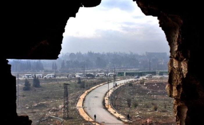 Syria suspends Aleppo evacuations, blaming rebels