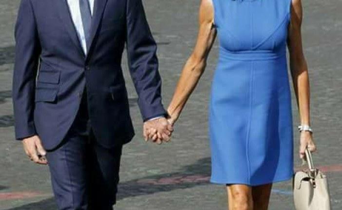 Le futur couple présidentiel. Emmanuel Macron 40 ans son épouse 64 ans.