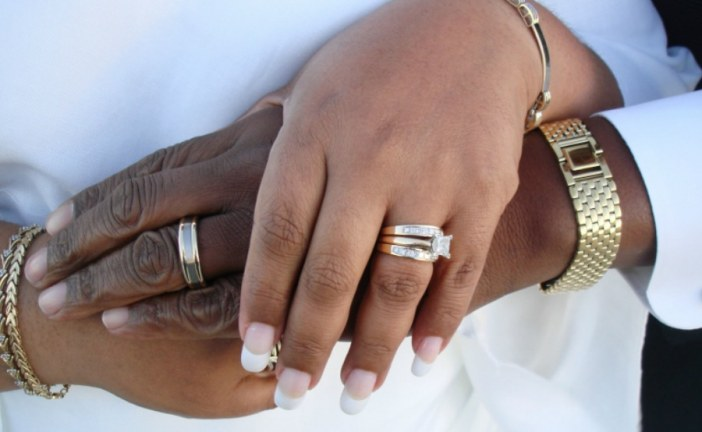 WHY DO MEN HESITATE TO GET MARRIED?