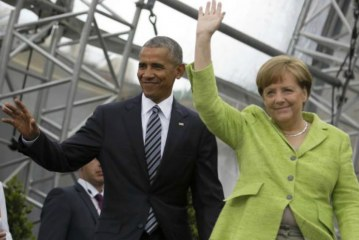 Barack Obama in Berlin: 'We can't hide behind a wall'