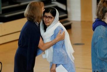 Schoolgirl campaigner Malala Yousafzai wins Oxford university place