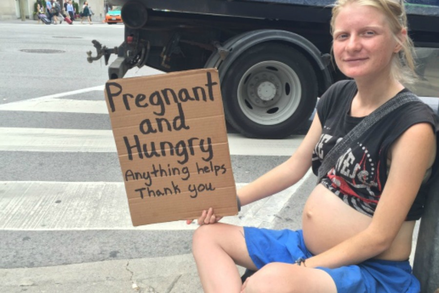 How hunger affects the mental health of pregnant mothers
