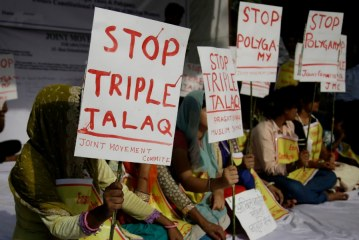 India court bans Islamic 'triple talaq', which allows men to divorce wives  instantly  by saying the word Talaq three times