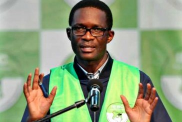 Kenyan poll official Ezra Chiloba 'to take leave over election'