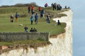Student 23 in the UK fell off Seven Sisters cliff 'posing for photo'